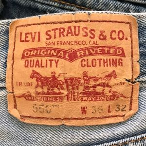 Distressed Levi's: Relaxed Fit Red Tag 550 36x32